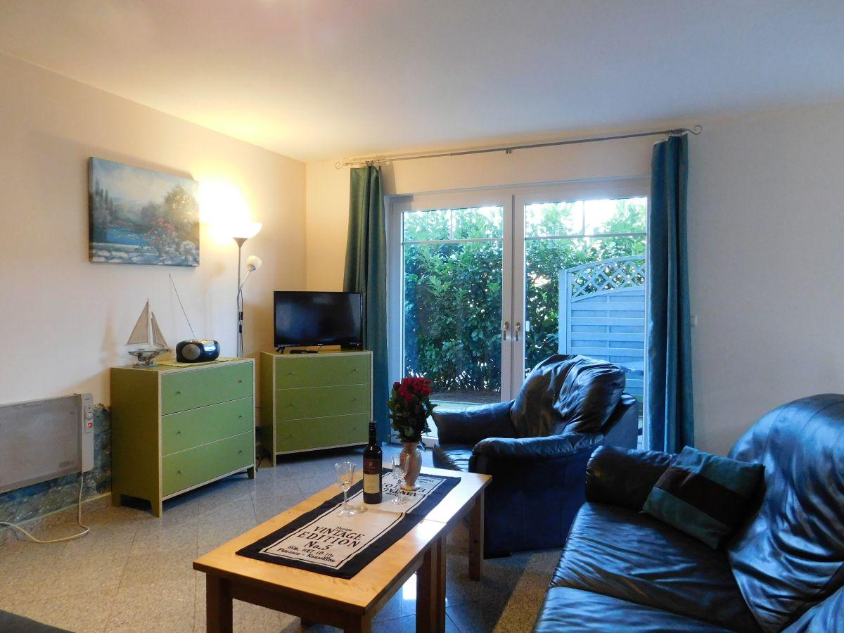 wohnung eg rechts ferienwohnung ostsee boltenhagen urlaub ferienhaus rosenweg 17. Black Bedroom Furniture Sets. Home Design Ideas